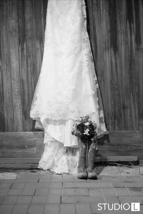 Vintage-Little-Farmer-Wedding-Photo-2