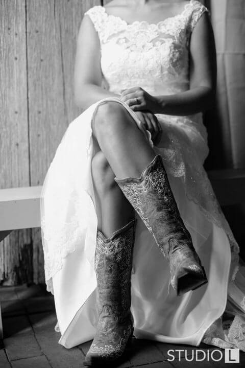 Vintage-Little-Farmer-Wedding-Photo-8