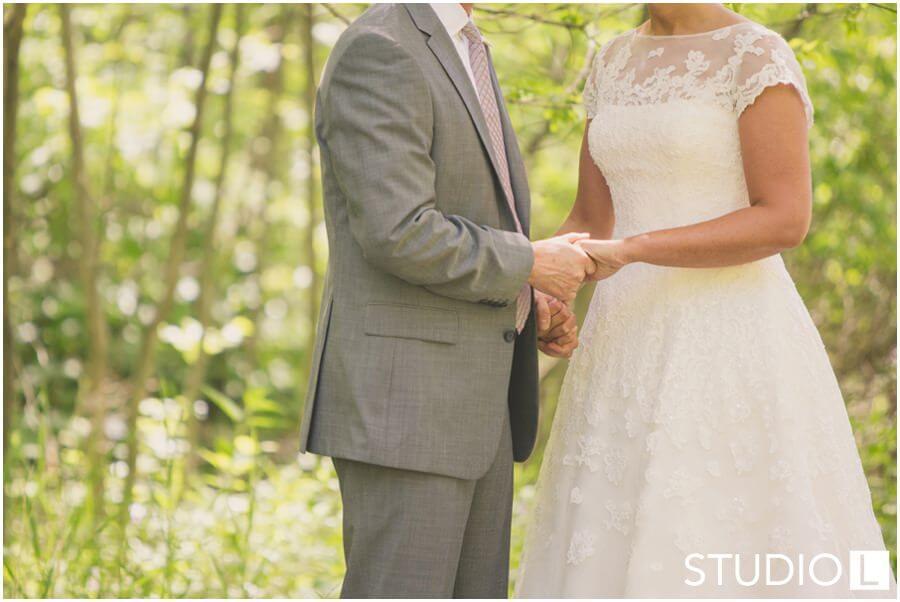 Sheboygan-WI-Backyard-Wedding-Studio-by-L-Photography-WEB_0008