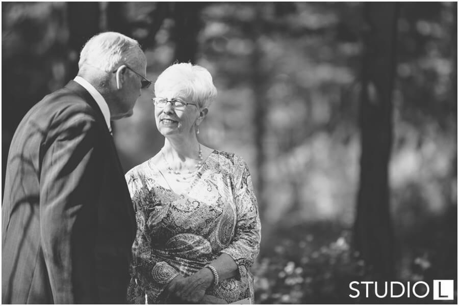 Sheboygan-WI-Backyard-Wedding-Studio-by-L-Photography-WEB_0024