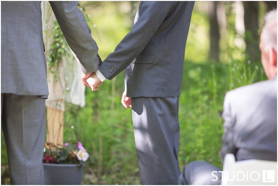 Sheboygan-WI-Backyard-Wedding-Studio-by-L-Photography-WEB_0039