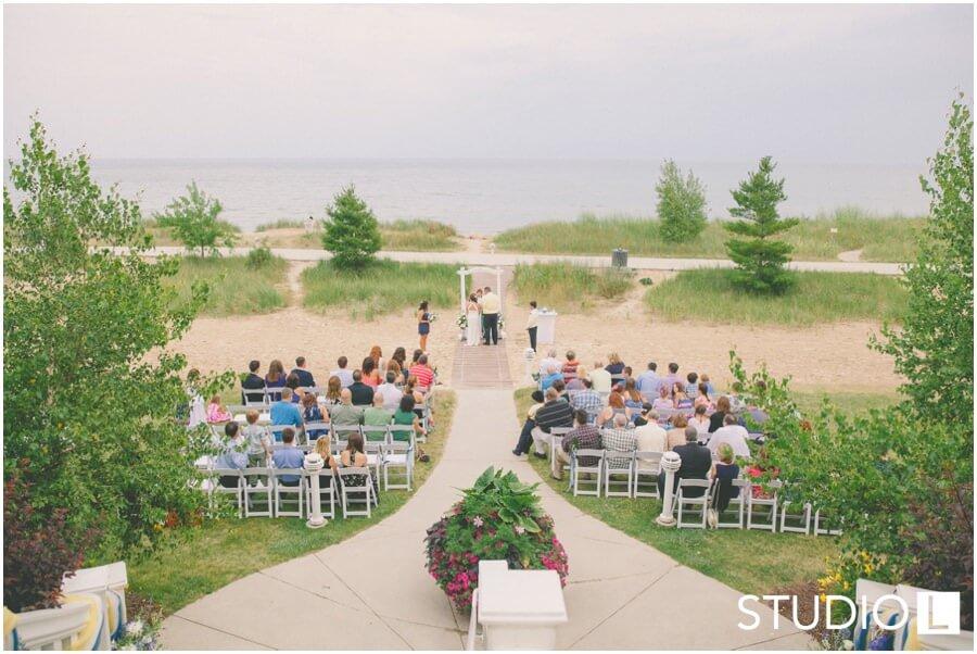 Sheboygan Wedding Photographer Blue Harbor Resort Studio L Photography 0029