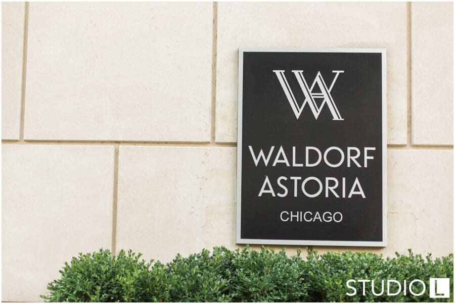 Chicago-Waldorf-Astoria-Engagement-Session-Studio-L-Photography_0032