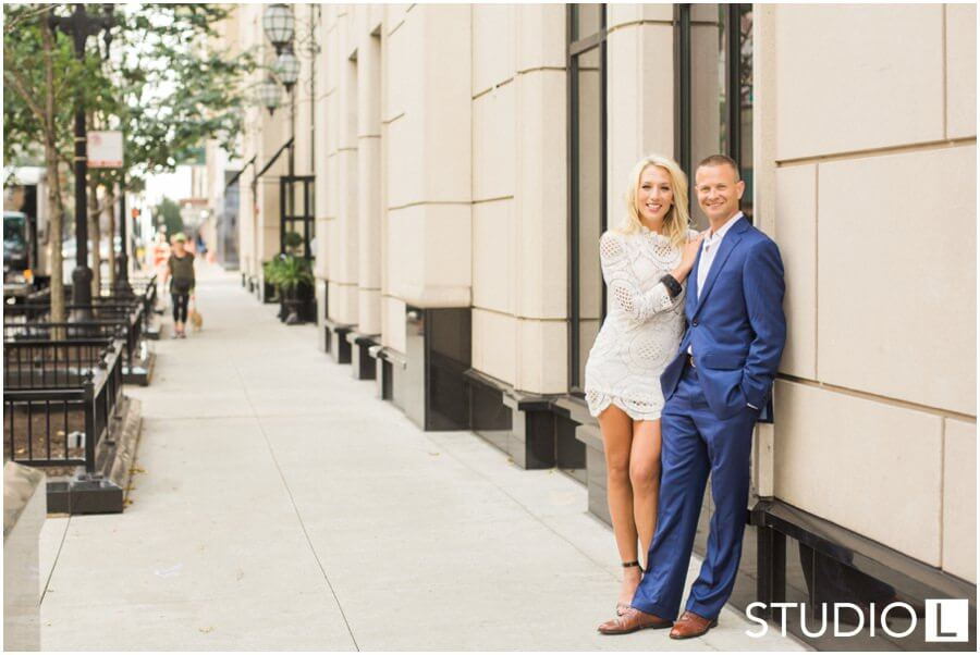 Chicago-Waldorf-Astoria-Engagement-Session-Studio-L-Photography_0033