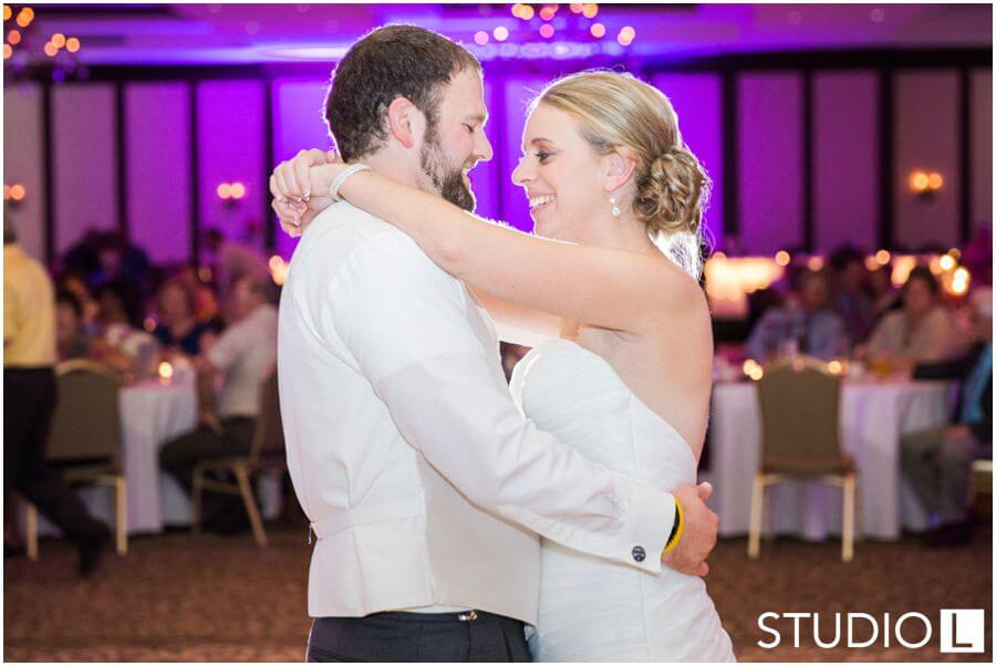 Osthoff-Resort-Wedding-Elkhart-Lake-wedding-photographer-Studio-L-Photography_0058
