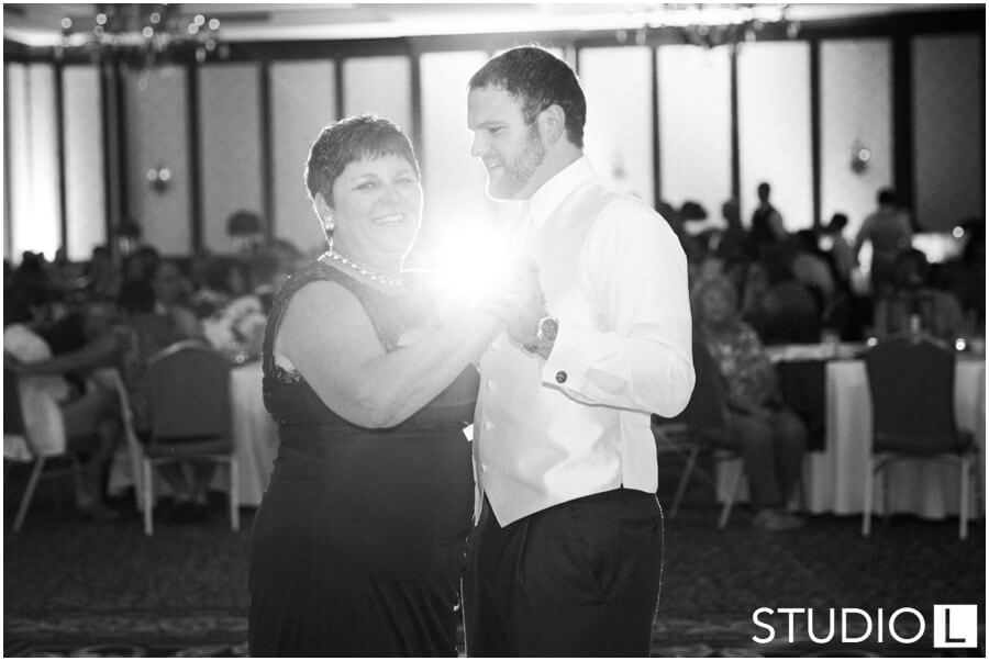 Osthoff-Resort-Wedding-Elkhart-Lake-wedding-photographer-Studio-L-Photography_0061