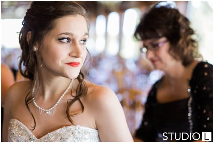 Sheboygan-Town-and-country-Golf-Course-Wedding-Studio-L-Photography_0006
