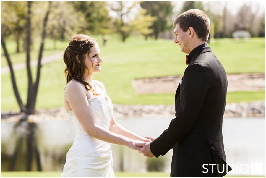 Sheboygan-Town-and-country-Golf-Course-Wedding-Studio-L-Photography_0023