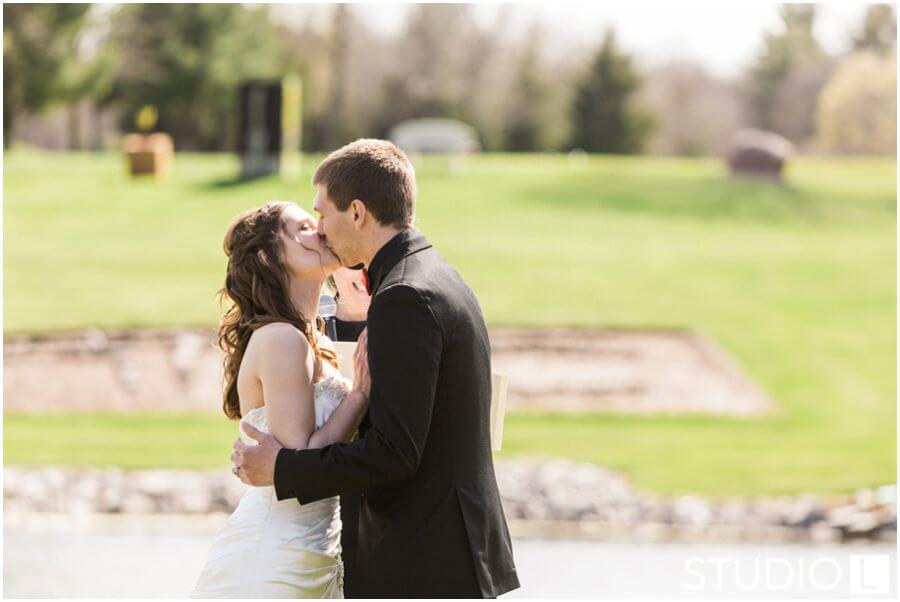 Sheboygan-Town-and-country-Golf-Course-Wedding-Studio-L-Photography_0026