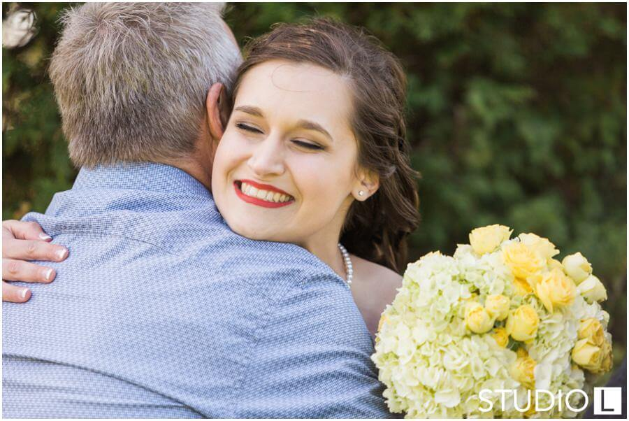 Sheboygan-Town-and-country-Golf-Course-Wedding-Studio-L-Photography_0029
