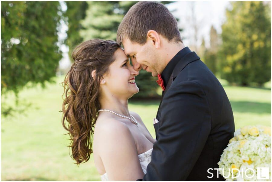 Sheboygan-Town-and-country-Golf-Course-Wedding-Studio-L-Photography_0040