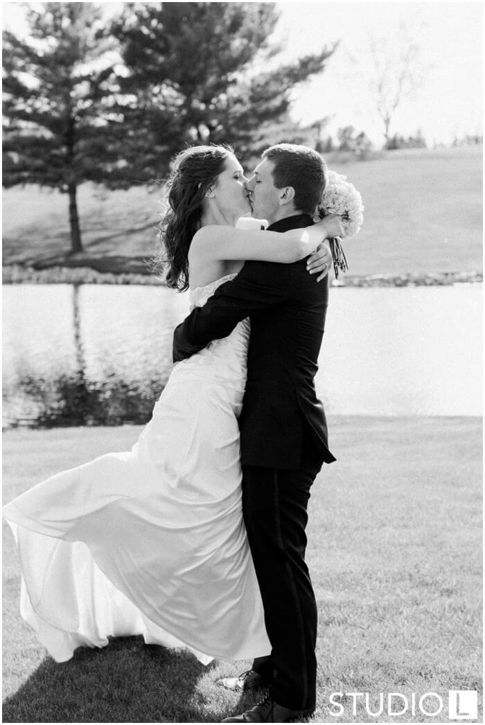 Sheboygan-Town-and-country-Golf-Course-Wedding-Studio-L-Photography_0047