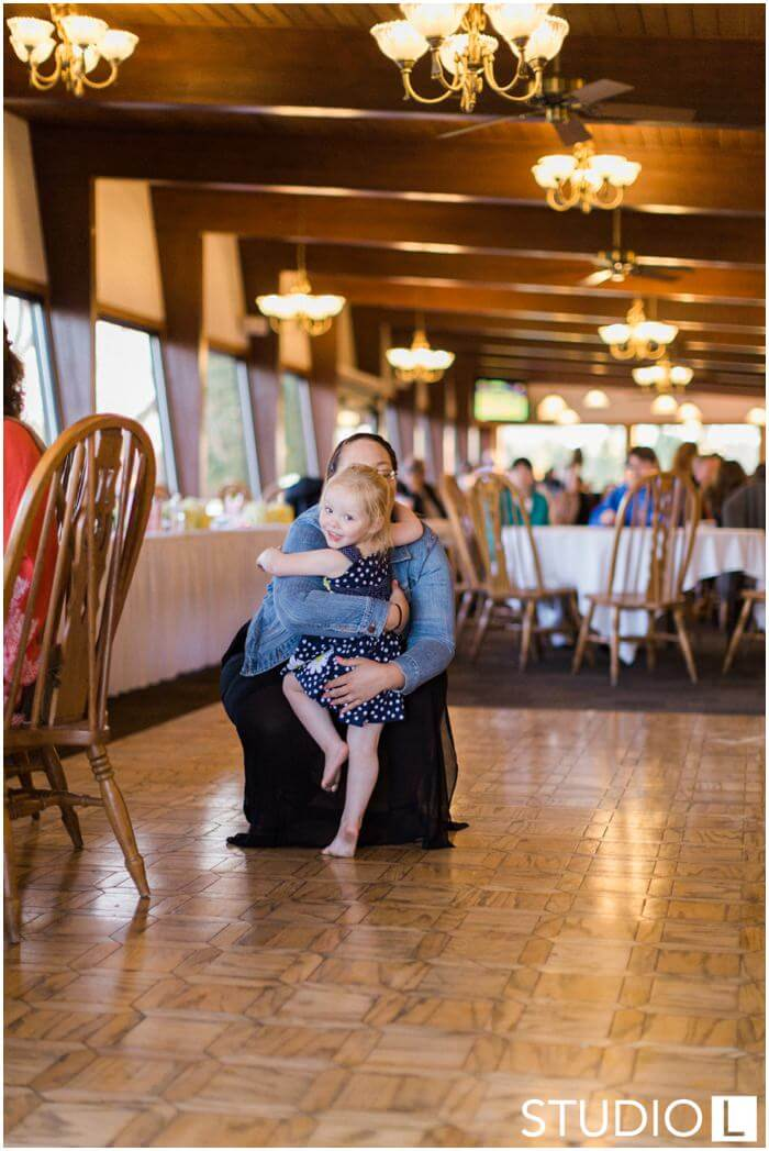 Sheboygan-Town-and-country-Golf-Course-Wedding-Studio-L-Photography_0058
