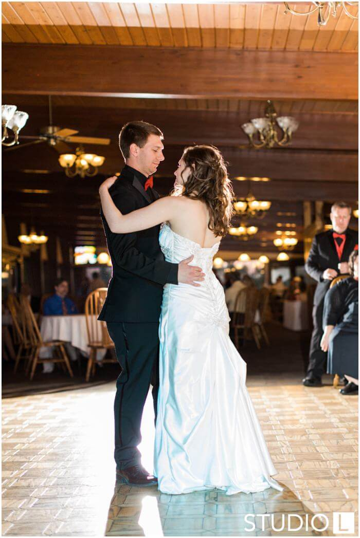 Sheboygan-Town-and-country-Golf-Course-Wedding-Studio-L-Photography_0061