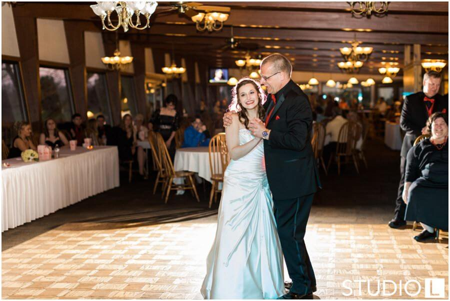 Sheboygan-Town-and-country-Golf-Course-Wedding-Studio-L-Photography_0064