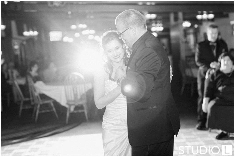 Sheboygan-Town-and-country-Golf-Course-Wedding-Studio-L-Photography_0065