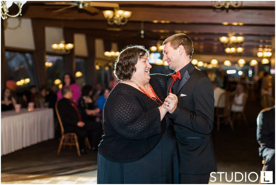 Sheboygan-Town-and-country-Golf-Course-Wedding-Studio-L-Photography_0066