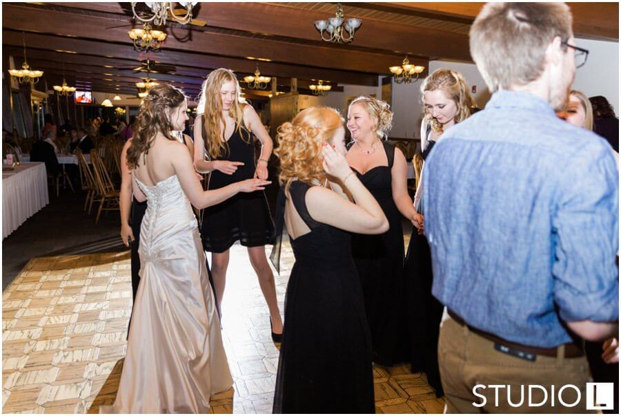 Sheboygan-Town-and-country-Golf-Course-Wedding-Studio-L-Photography_0067