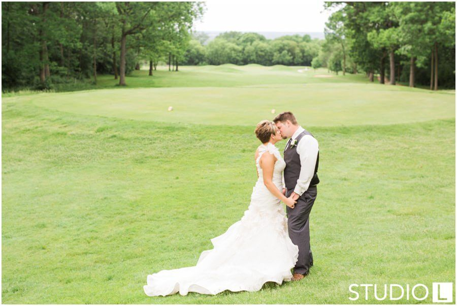Whispering-Springs-Golf-Club-Fond-du-Lac-Wedding-Studio-L-Photography_0039