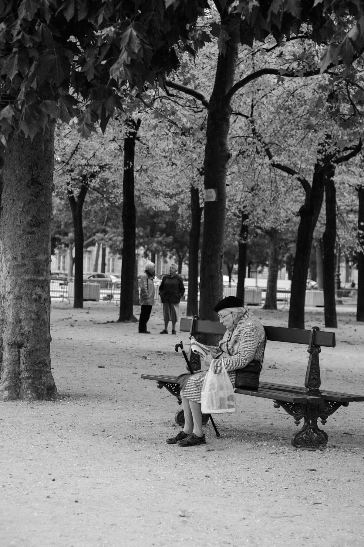 Paris-France-black-and-white-fine-art-photography-by-Studio-L-photographer-Laura-Schneider-_5132