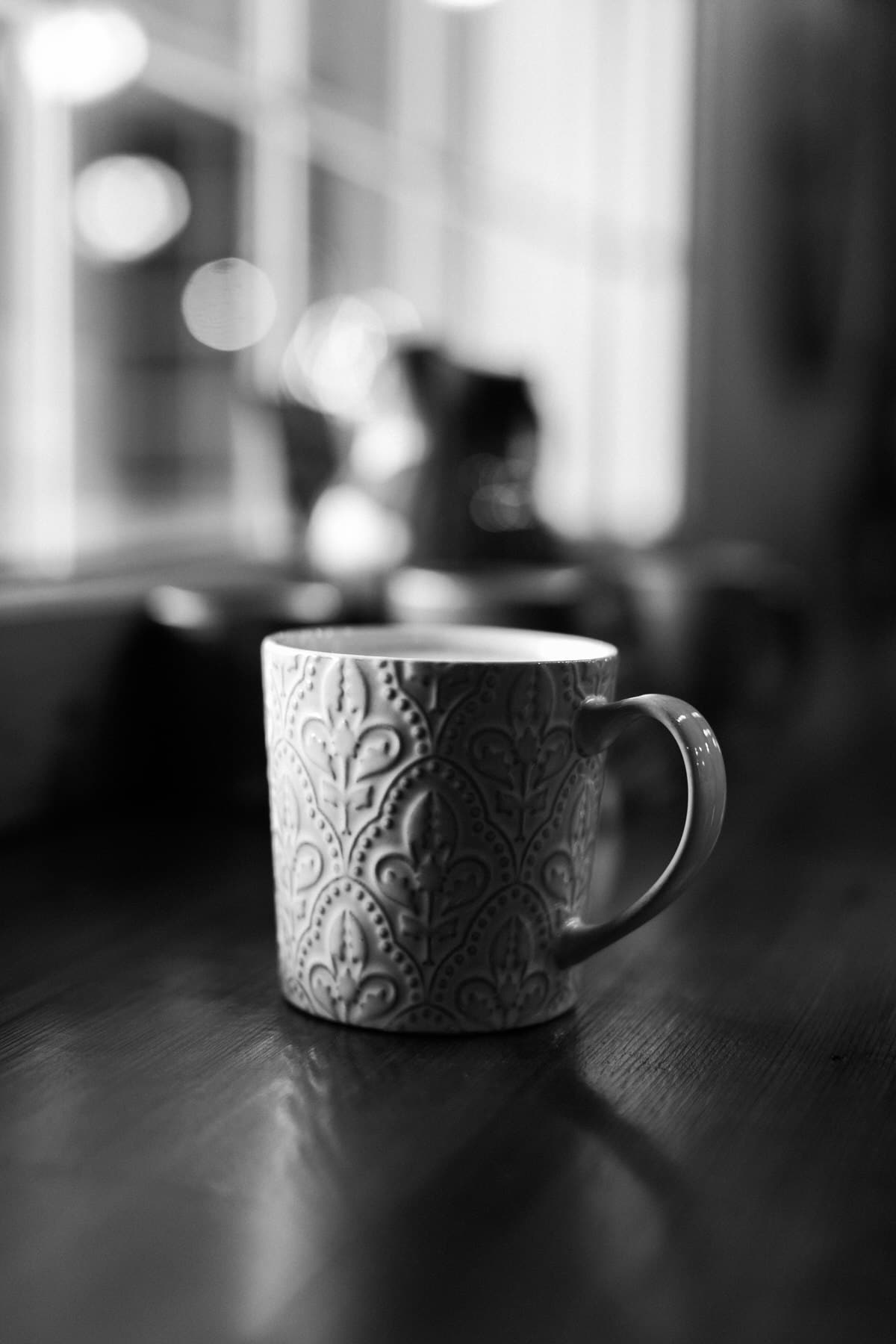 Urban-Fuel-Coffee-Fond-du-Lac-Wisconsin-black-and-white-fine-art-photography-by-Studio-L-photographer-Laura-Schneider-_2725