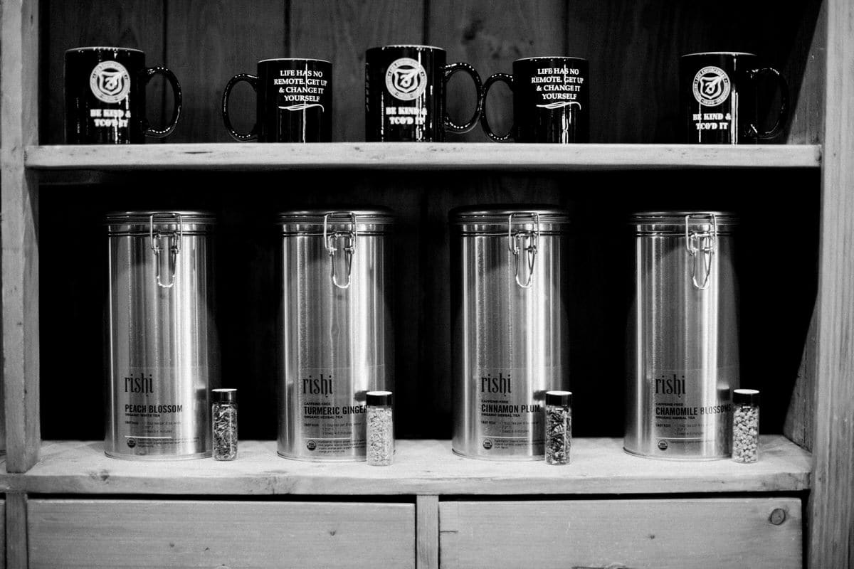 Urban-Fuel-Coffee-Fond-du-Lac-Wisconsin-black-and-white-fine-art-photography-by-Studio-L-photographer-Laura-Schneider-_2767