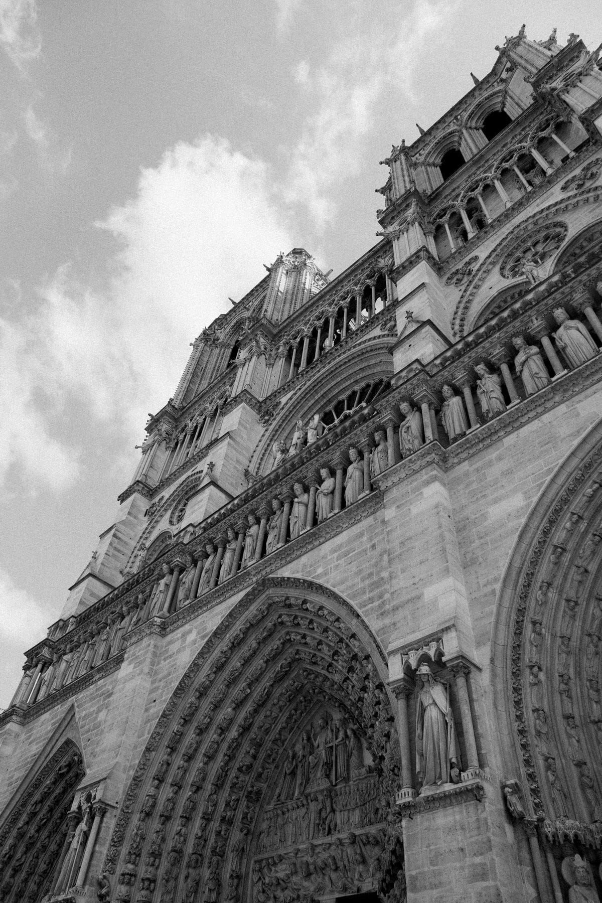Notre-Dame-Paris-France-fine-art-photography-by-Studio-L-photographer-Laura-Schneider-_4934