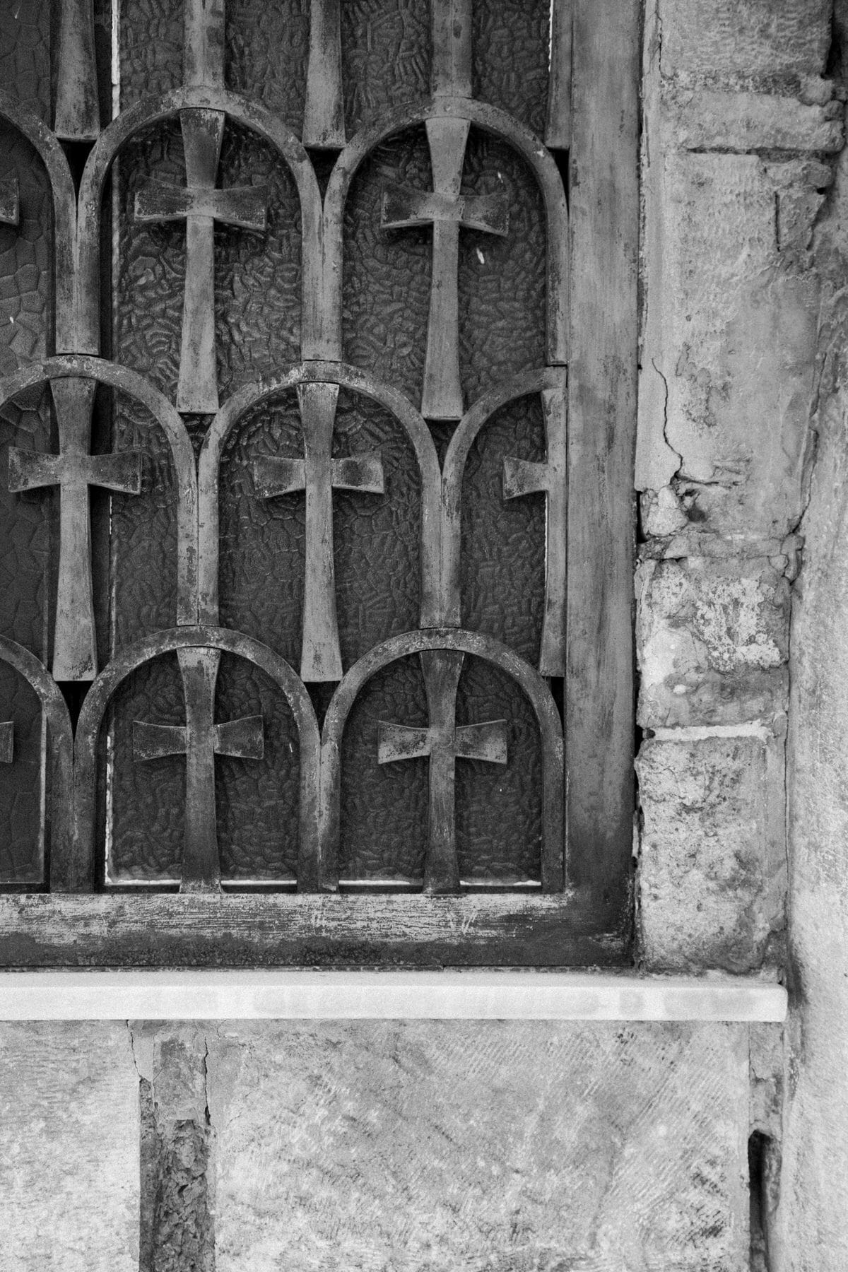Athens-Greece-black-and-white-fine-art-photography-by-Studio-L-photographer-Laura-Schneider-_1778