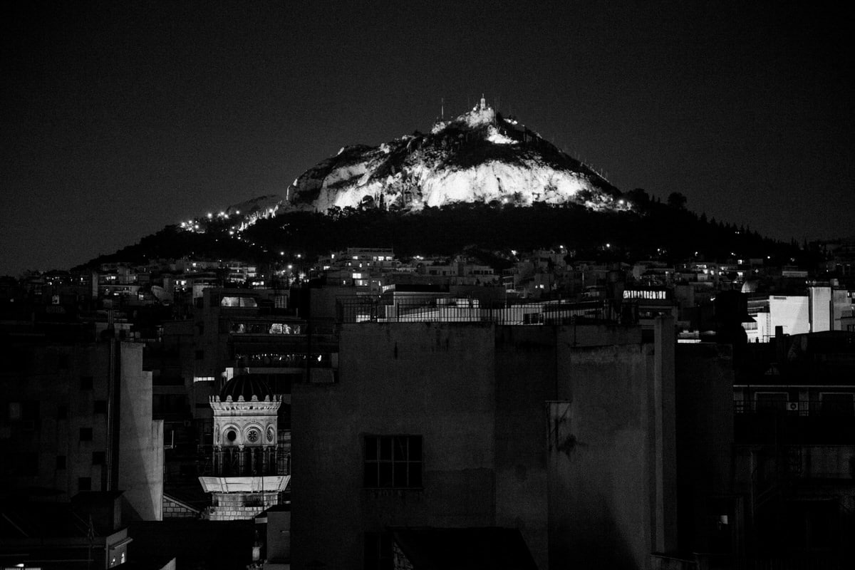 Athens-Greece-black-and-white-fine-art-photography-by-Studio-L-photographer-Laura-Schneider-_1852