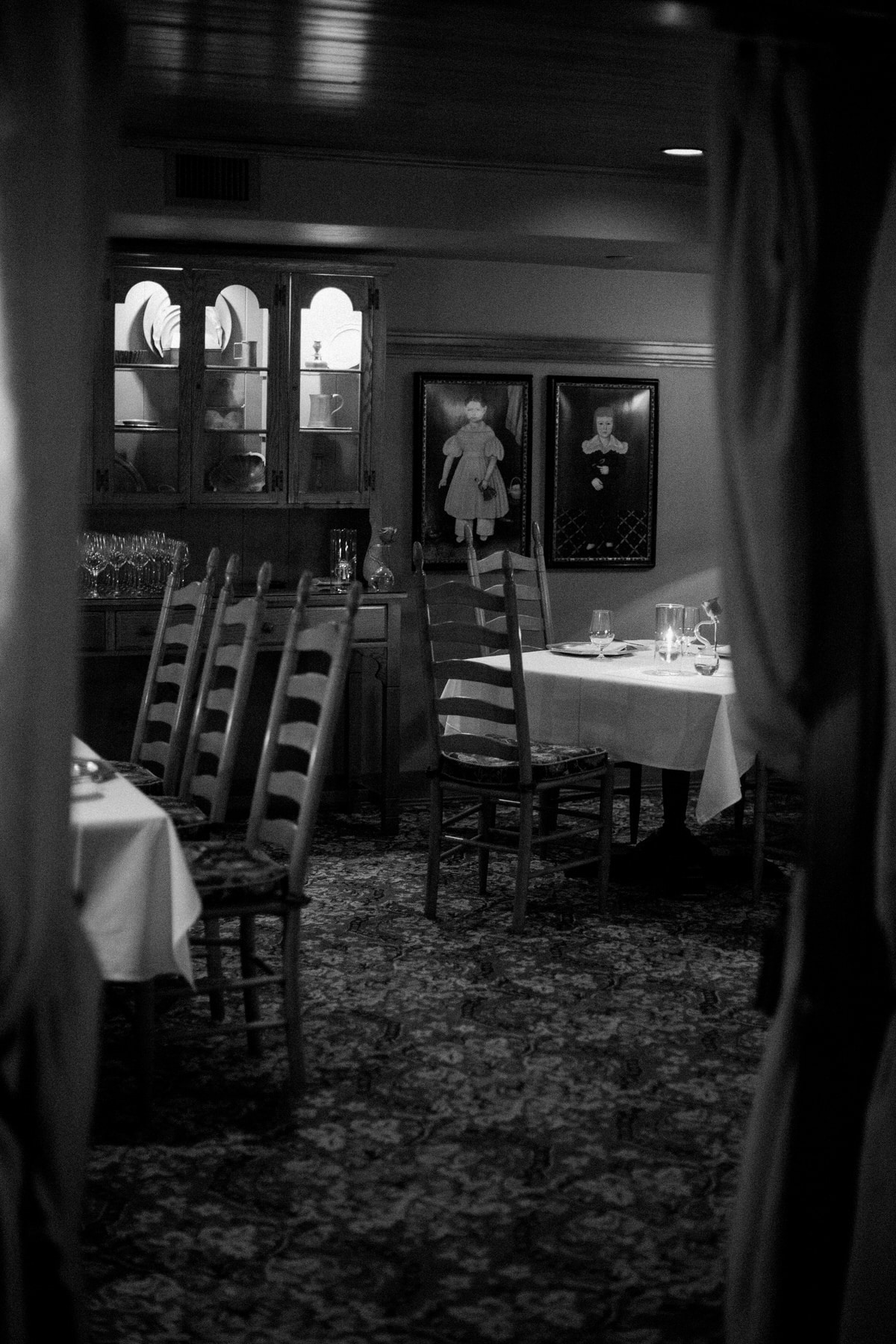 Immigrant-Room-Restaurant-American-Club-Kohler-Wisconsin-black-and-white-fine-art-photography-by-Studio-L-photographer-Laura-Schneider-_6423