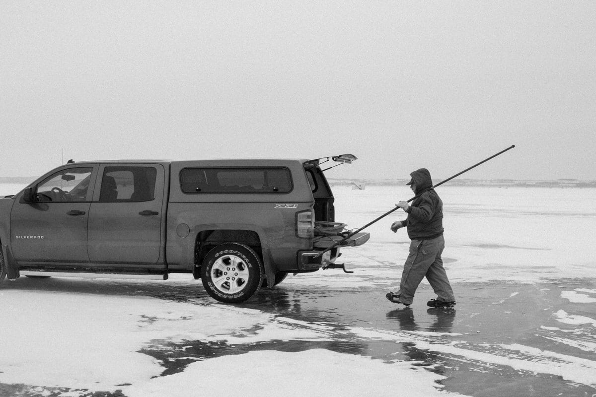 Lake-Winnebago-sturgeon-spearing-Fond-du-Lac-Wisconsin-black-and-white-fine-art-photography-by-Studio-L-photographer-Laura-Schneider-_0026