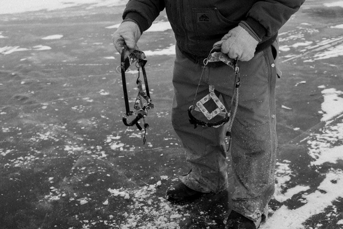 Lake-Winnebago-sturgeon-spearing-Fond-du-Lac-Wisconsin-black-and-white-fine-art-photography-by-Studio-L-photographer-Laura-Schneider-_0065