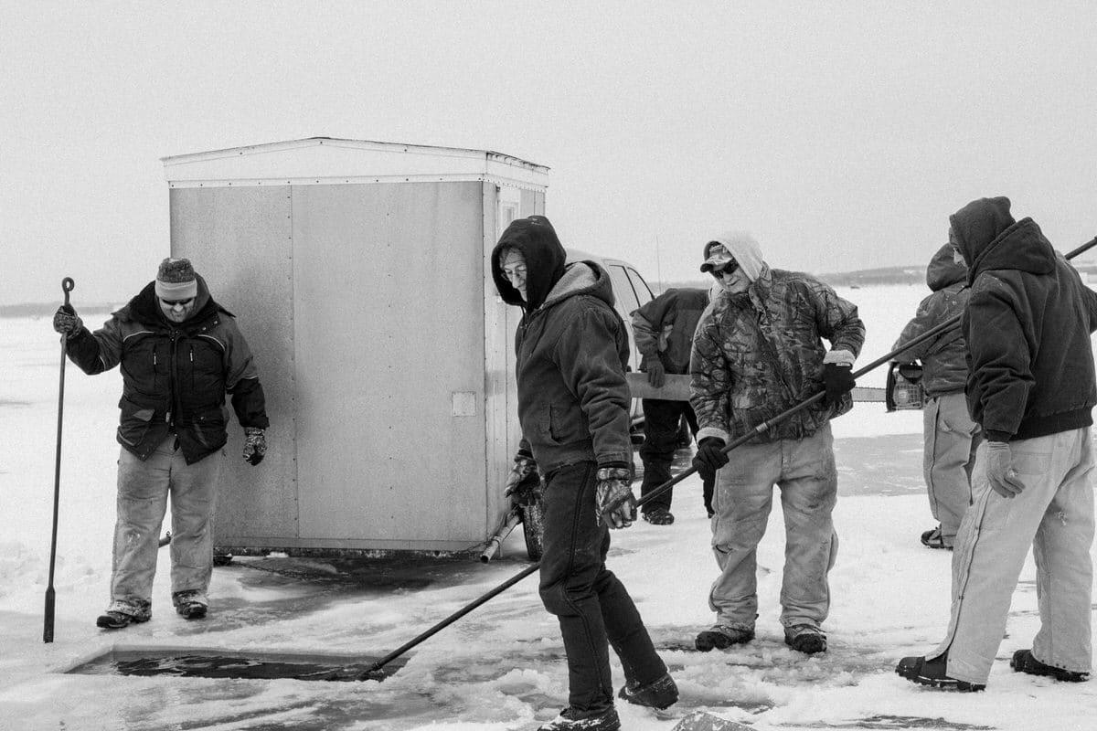 Lake-Winnebago-sturgeon-spearing-Fond-du-Lac-Wisconsin-black-and-white-fine-art-photography-by-Studio-L-photographer-Laura-Schneider-_9973