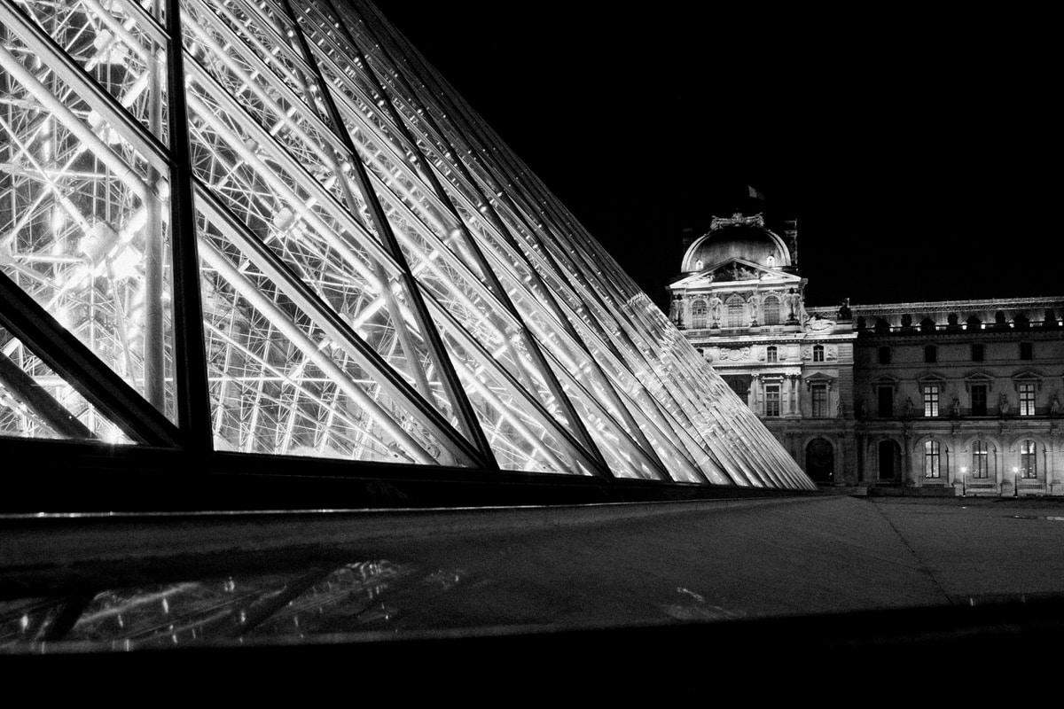 Louvre-Museum-Paris-France-black-and-white-fine-art-photography-by-Studio-L-photographer-Laura-Schneider-_4748
