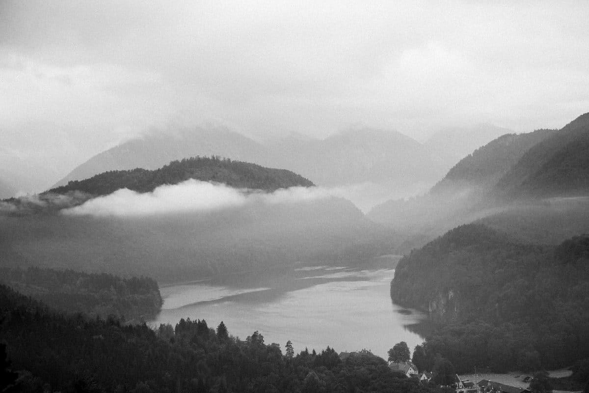 Neuschwanstein-Bavaria-Germany-black-and-white-fine-art-photography-by-Studio-L-photographer-Laura-Schneider-_3532