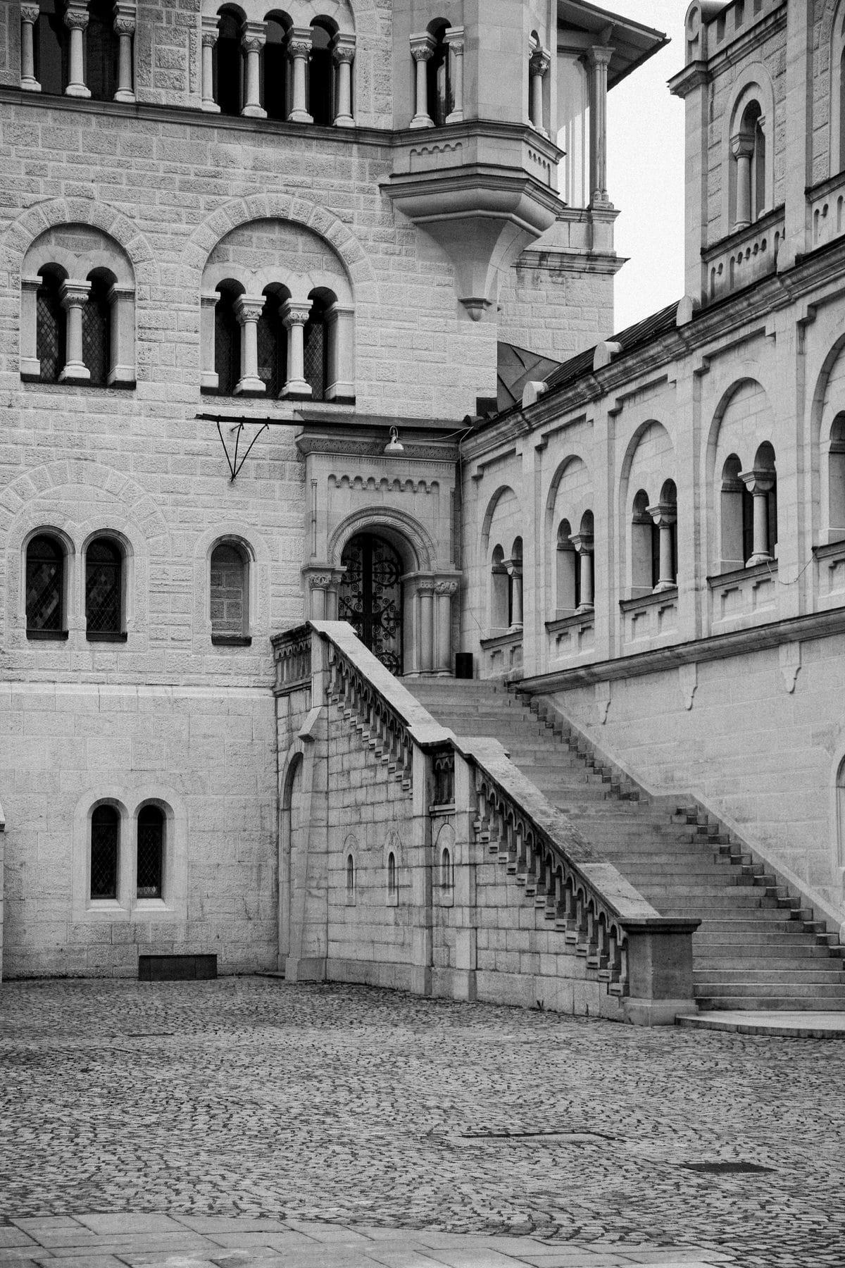 Neuschwanstein-Bavaria-Germany-black-and-white-fine-art-photography-by-Studio-L-photographer-Laura-Schneider-_3550