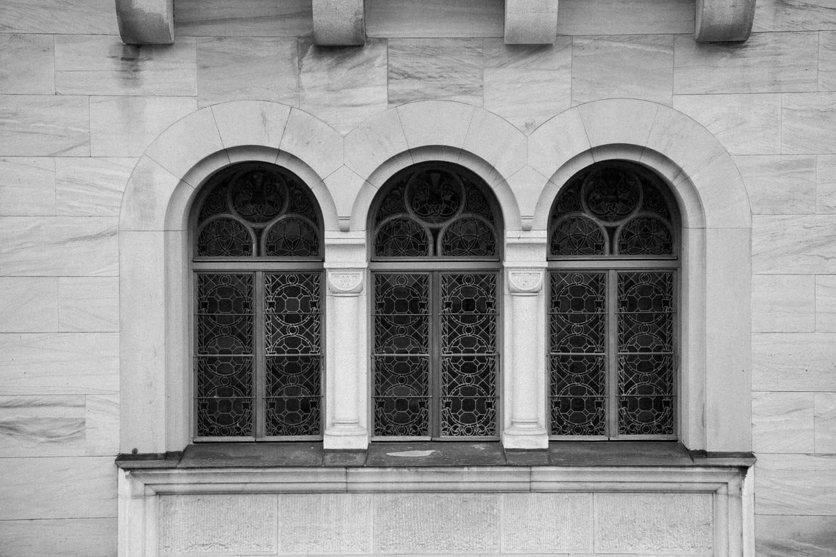 Neuschwanstein-Bavaria-Germany-black-and-white-fine-art-photography-by-Studio-L-photographer-Laura-Schneider-_3559