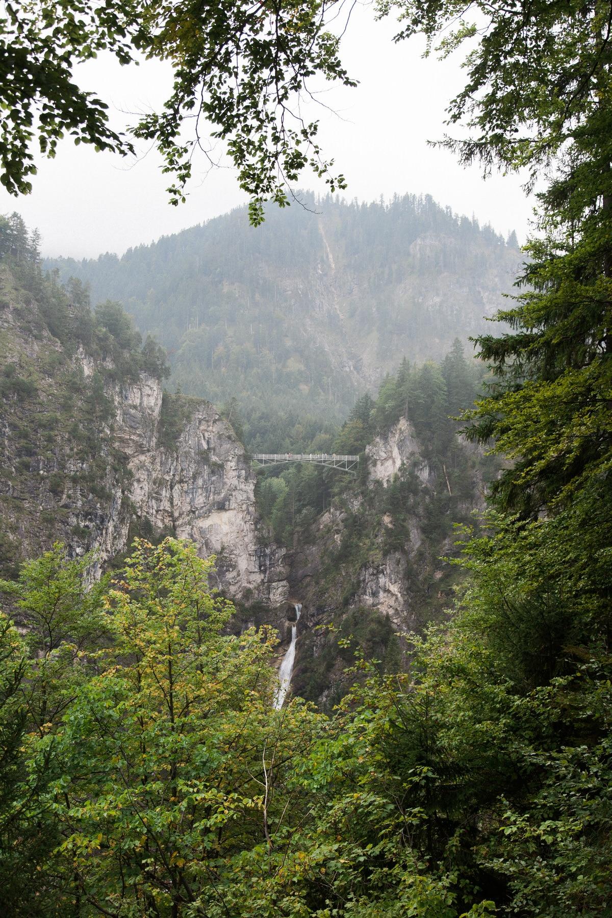 Neuschwanstein-Bavaria-Germany-black-and-white-fine-art-photography-by-Studio-L-photographer-Laura-Schneider-_3574