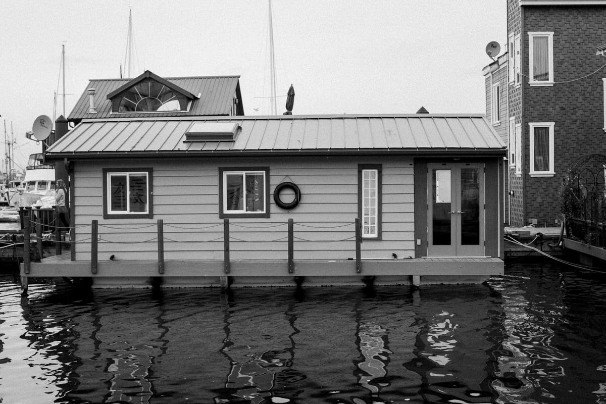whale-watching-Victoria-British-Columbia-Canada-black-and-white-fine-art-photography-by-Studio-L-photographer-Laura-Schneider-_8788