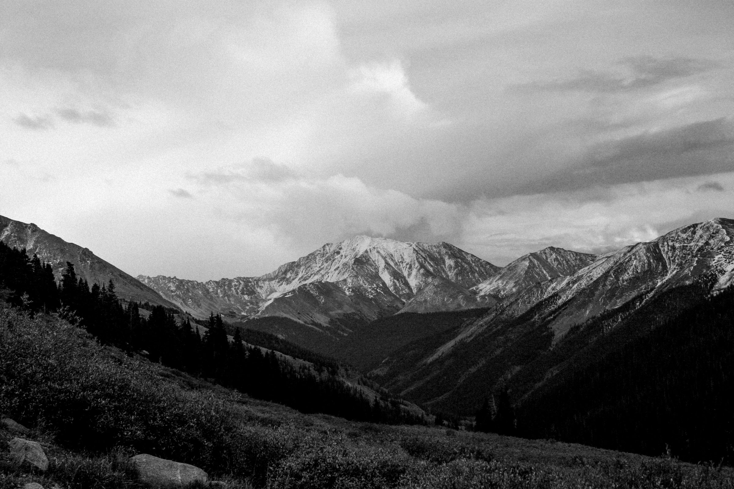 Independence-Pass-Colorado-black-and-white-fine-art-photography-by-Studio-L-photographer-Laura-Schneider-_8369
