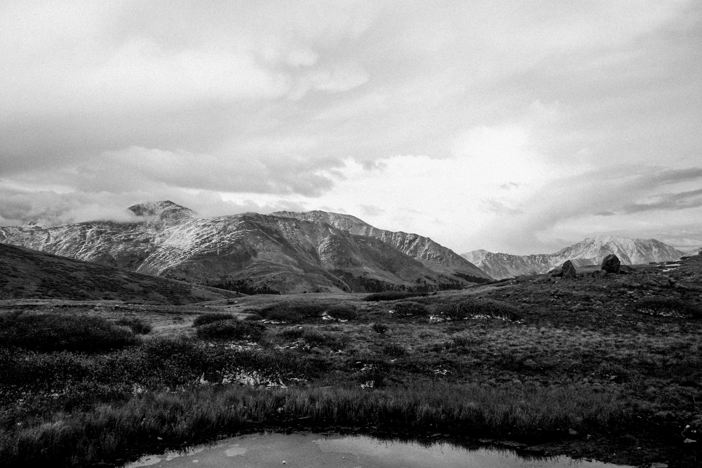 Independence-Pass-Colorado-black-and-white-fine-art-photography-by-Studio-L-photographer-Laura-Schneider-_8374