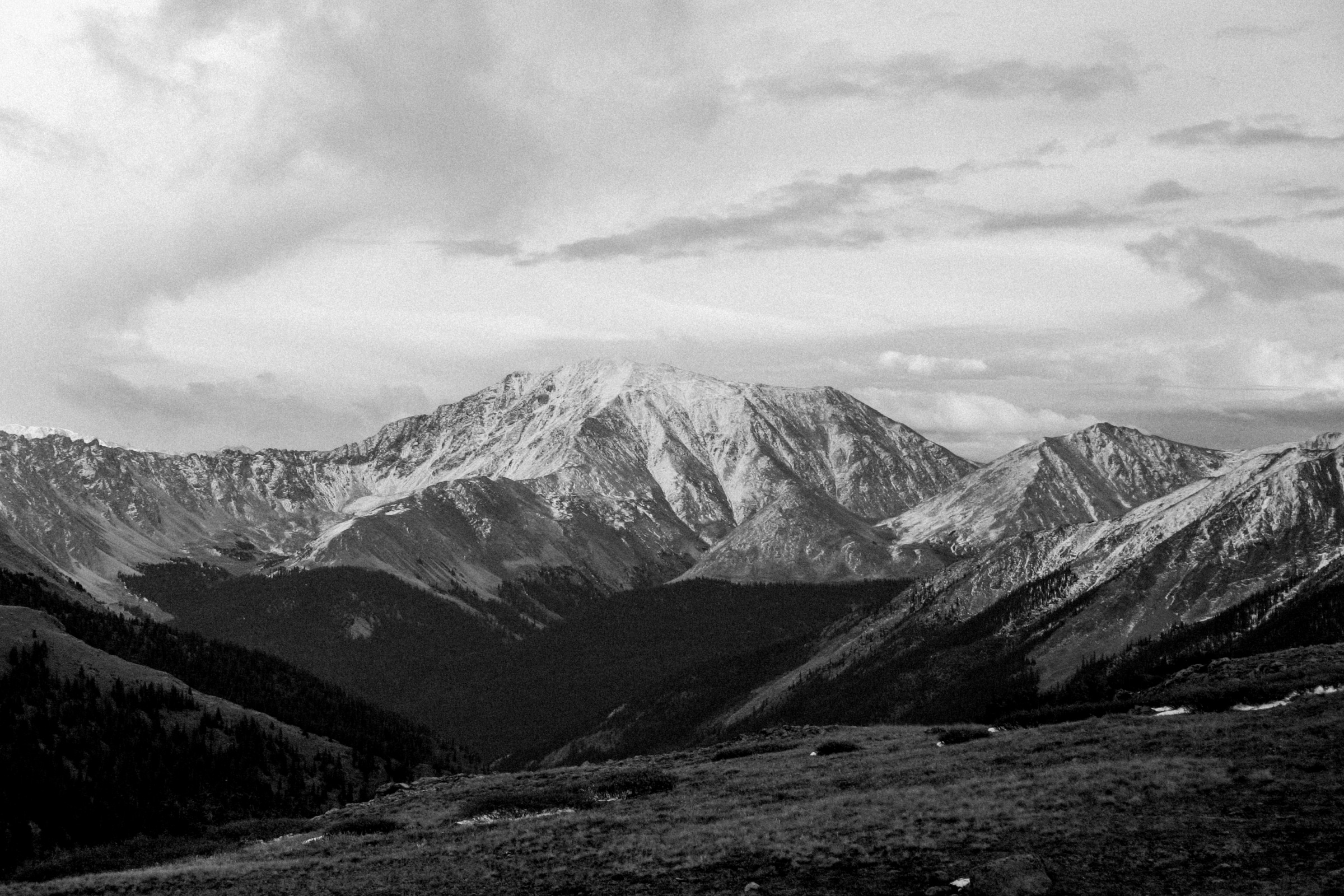 Independence-Pass-Colorado-black-and-white-fine-art-photography-by-Studio-L-photographer-Laura-Schneider-_8378