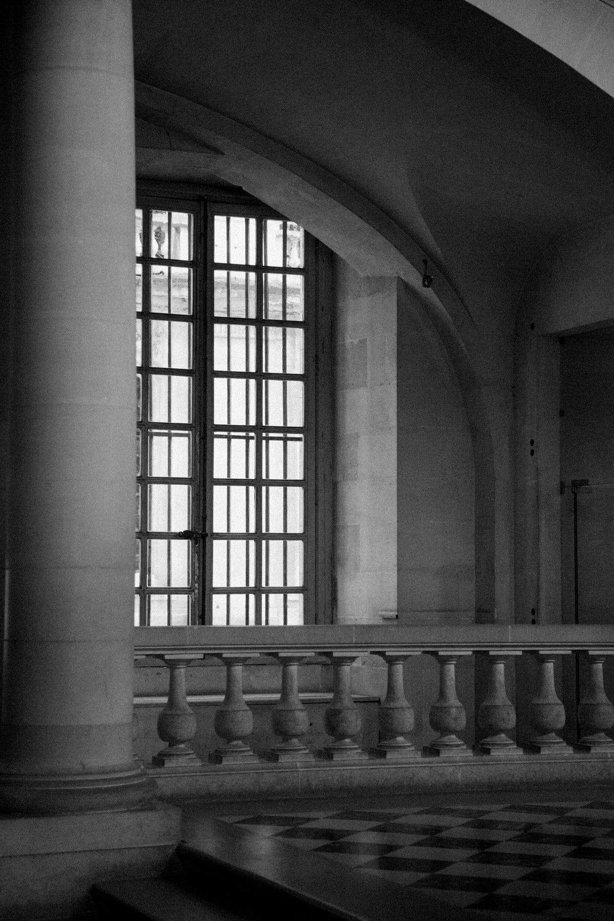 Palace-of-Versailles-France-black-and-white-fine-art-photography-by-Studio-L-photographer-Laura-Schneider-_4776
