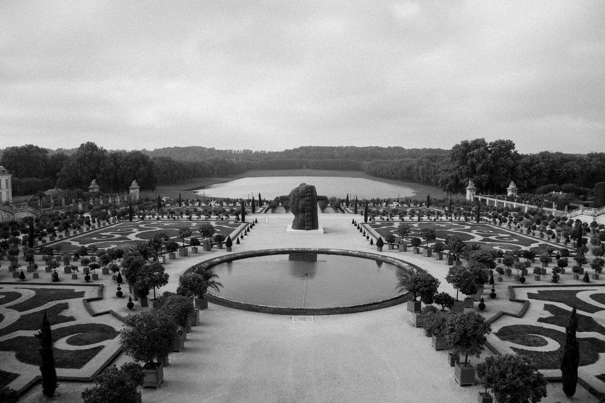 Palace-of-Versailles-France-black-and-white-fine-art-photography-by-Studio-L-photographer-Laura-Schneider-_4850