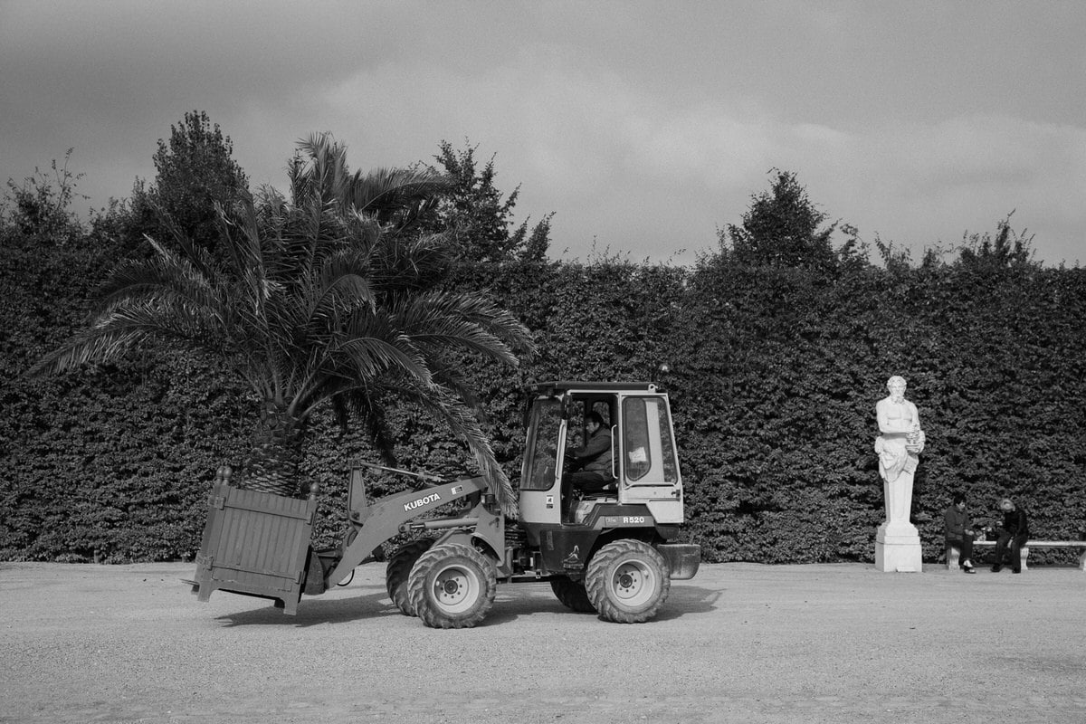 Palace-of-Versailles-France-black-and-white-fine-art-photography-by-Studio-L-photographer-Laura-Schneider-_4870