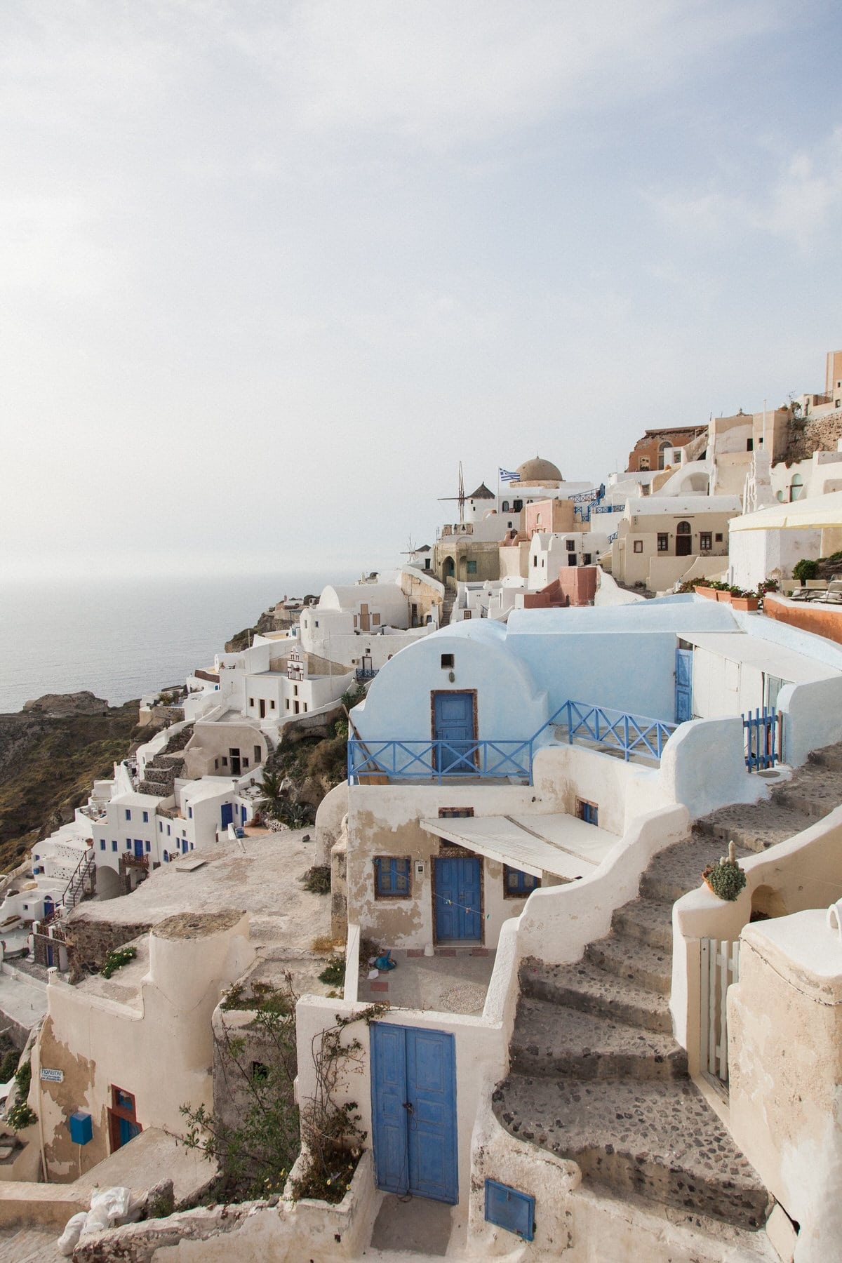 Santorini-Greece-black-and-white-fine-art-photography-by-Studio-L-photographer-Laura-Schneider-_2925