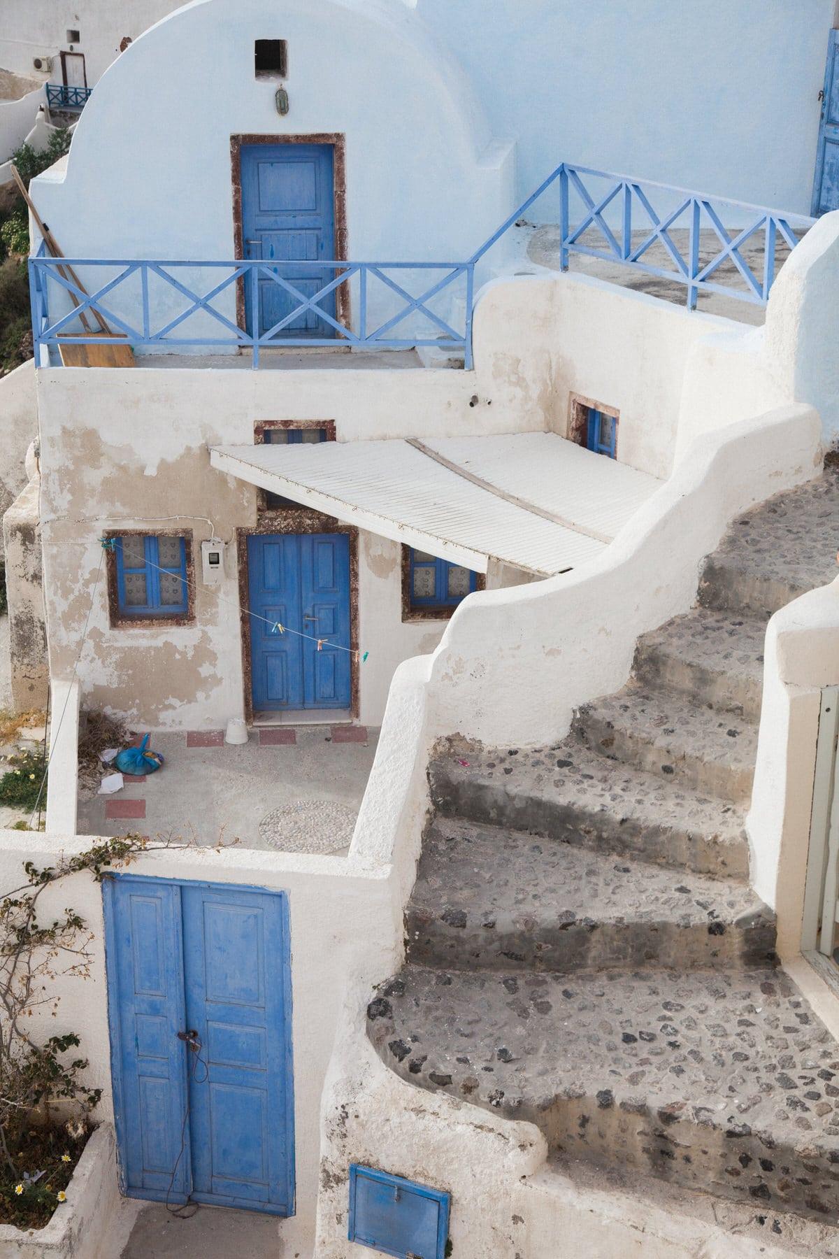 Santorini-Greece-black-and-white-fine-art-photography-by-Studio-L-photographer-Laura-Schneider-_2927