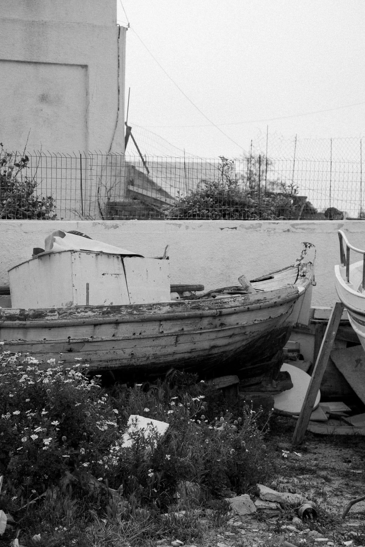 Santorini-Greece-black-and-white-fine-art-photography-by-Studio-L-photographer-Laura-Schneider-_2983