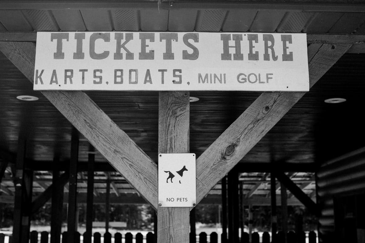 mini-golf-Crivitz-Wisconsin-black-and-white-fine-art-photography-by-Studio-L-photographer-Laura-Schneider-_9698
