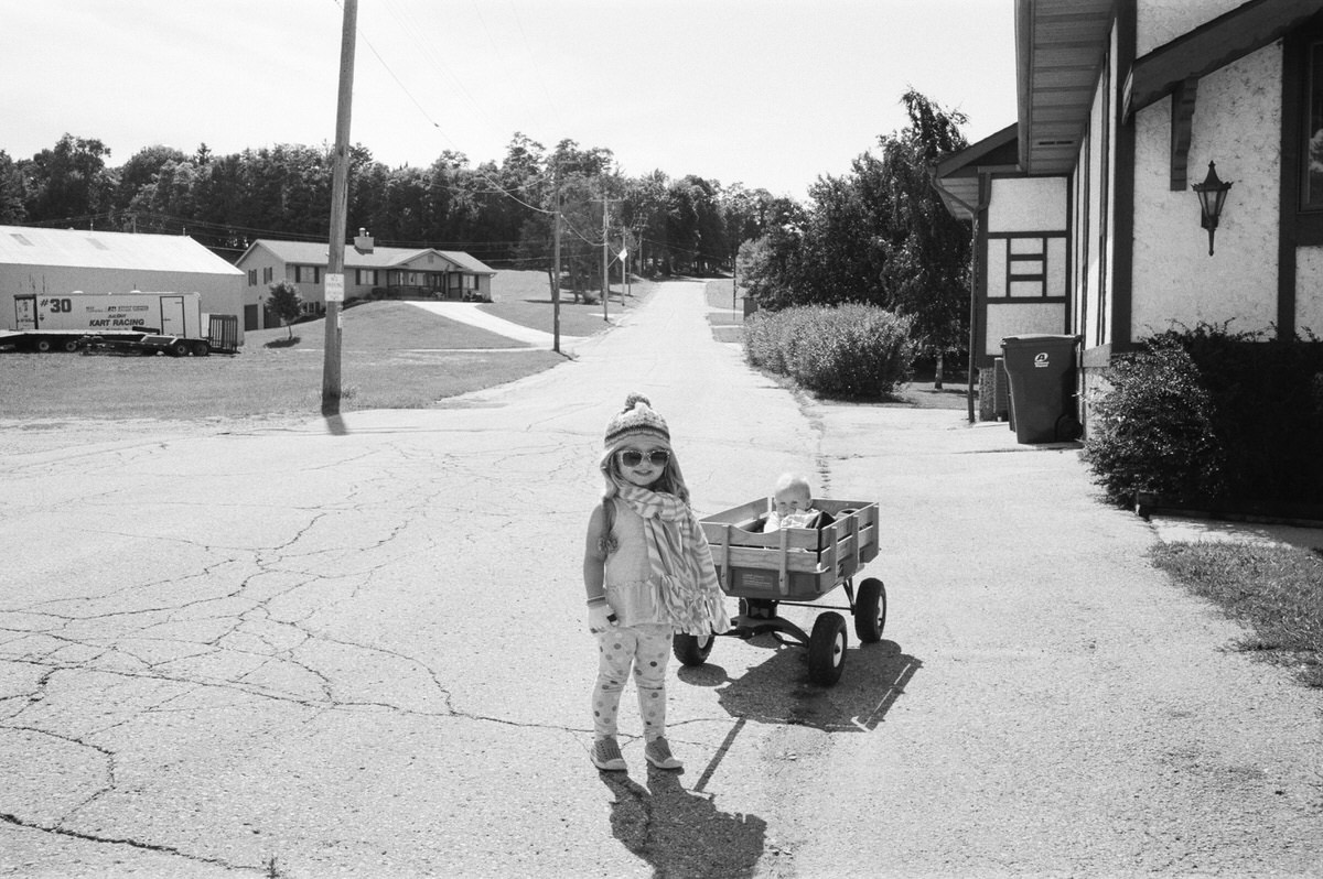small-town-Wisconsin-black-and-white-fine-art-film-photography-by-Studio-L-photographer-Laura-Schneider-_0031